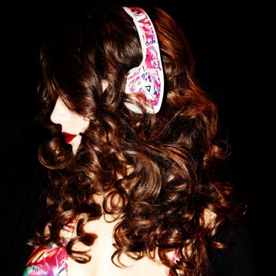 Beauty-hair-headphones-swim