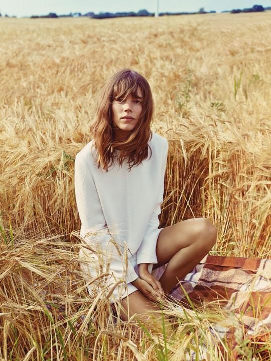 freja-beha-erichsen-vogue-uk-january-2014-4 - picnic