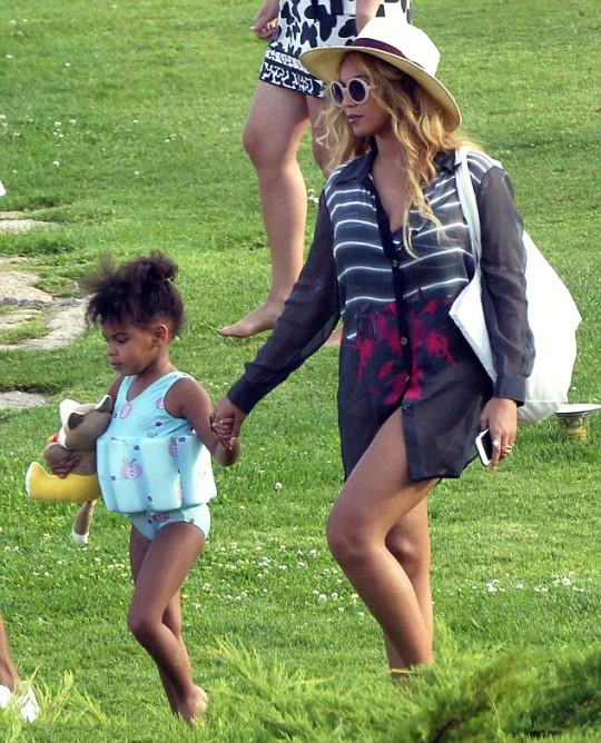 Beyonce-Avenger4